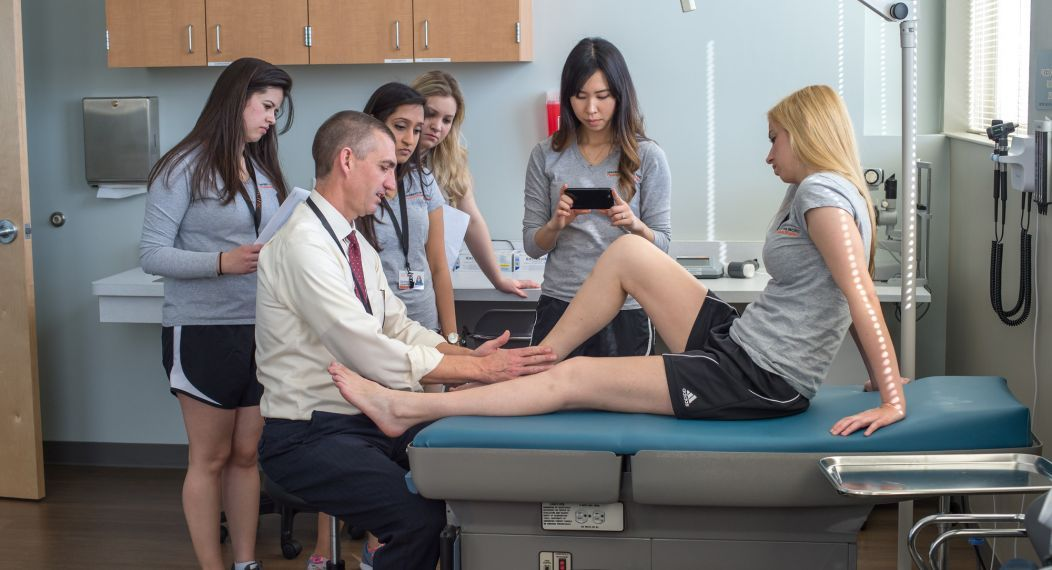 Students in the Master of Physician Assistant Studies degree program in Sacramento learn the anatomy of lower extremities during a clinical skills session